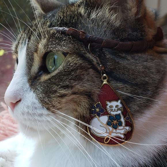 Vintage Cloisonne Cats Unique Teardrop Dangle Earrings